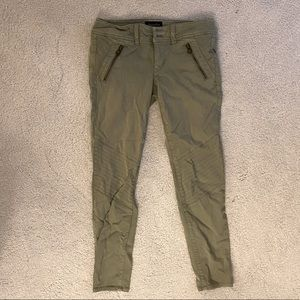 American Eagle super stretch cropped green pants